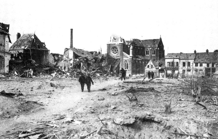 Mairie de Sotteville et église N.D.Assomption bombardée