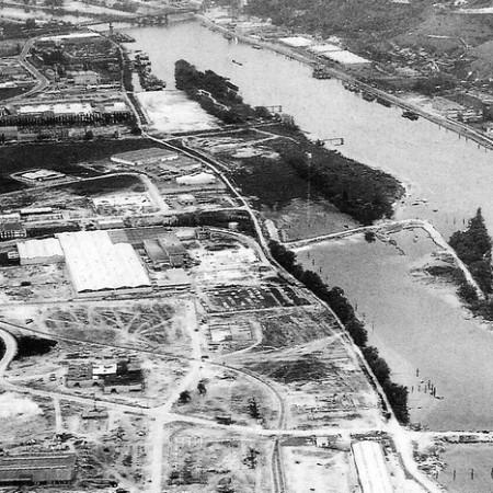 Zone industrielle de Sotteville-lès-Rouen 1971 : Les iles Gad et du Jonquay sont en cours de rattachement à la rive