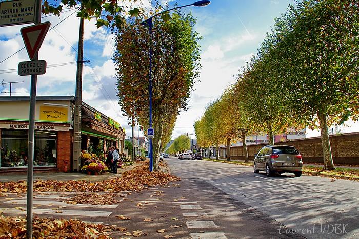 Sotteville-lès-Rouen : Avenue du 14 juillet à l'angle de la rue Arthur Mary (ex rue des Châtaigniers)