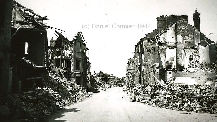 Centre-ville de Sotteville-lès-Rouen après le bombardement du 19 avril 1944
