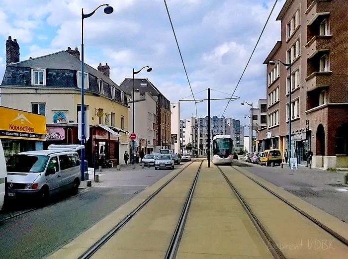 """""""La Barrière"""" place Voltaire - Sotteville-lès-Rouen - Métro"""
