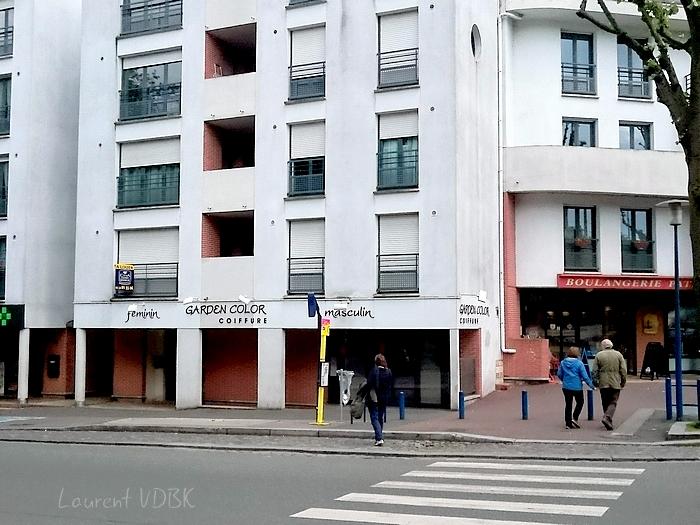 immeubles et magasins ront point des martyrs à Sotteville-lès-Rouen