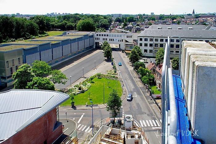 """Sotteville-lès-Rouen vu du haut de la grue du chantier de la résidence """"l'Orée du Bois"""" : le lycée marcel Sembat et la rue léon Salva"""