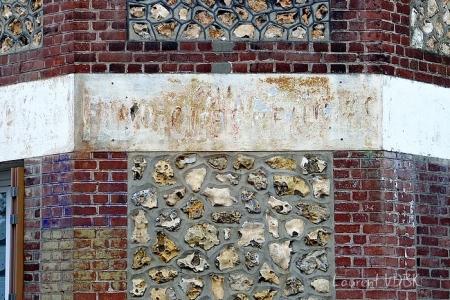 Traces d'une ancienne enseignes rue du Madrillet à Sotteville-lès-Rouen