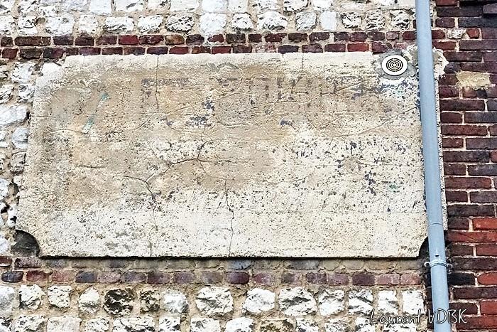 Ancienne publicité peinte rue Béranger à Sotteville