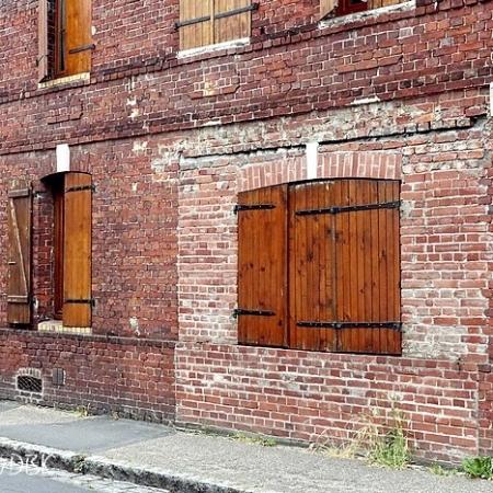 Trace d'une ancienne boutique rue Béranger à Sotteville