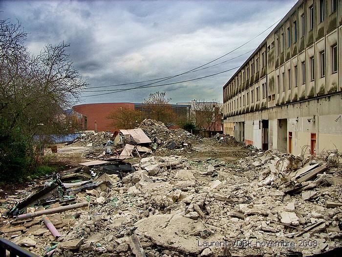 Démolition du bâtiment bas du lycée Marcel Sembat - Construction de l'esplanade François Mitterrand - Sotteville-lès-Rouen