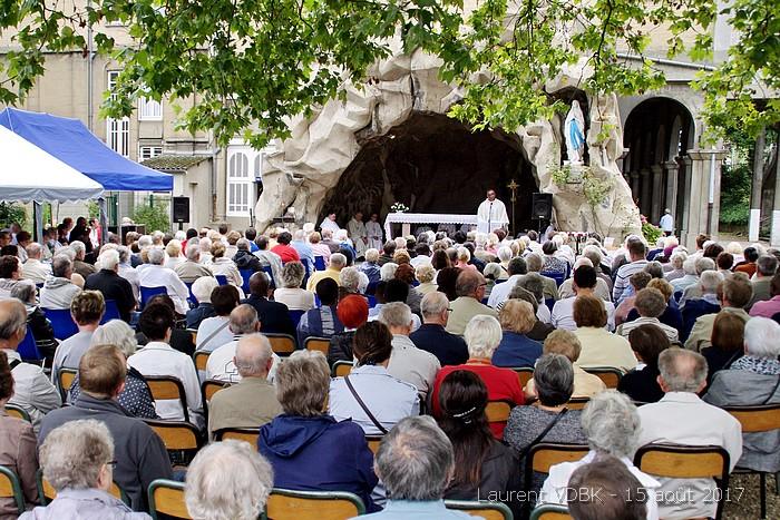 Messe devant la grotte de Notre Dame de Lourdes à Sotteville-lès-Rouen - 15 août 2017
