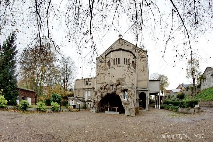 Grotte de l'église Notre-Dame de Lourdes