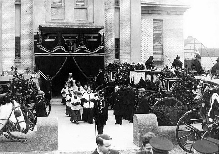 Inhumation pendant la guerre St Vincent de Paul à Sotteville