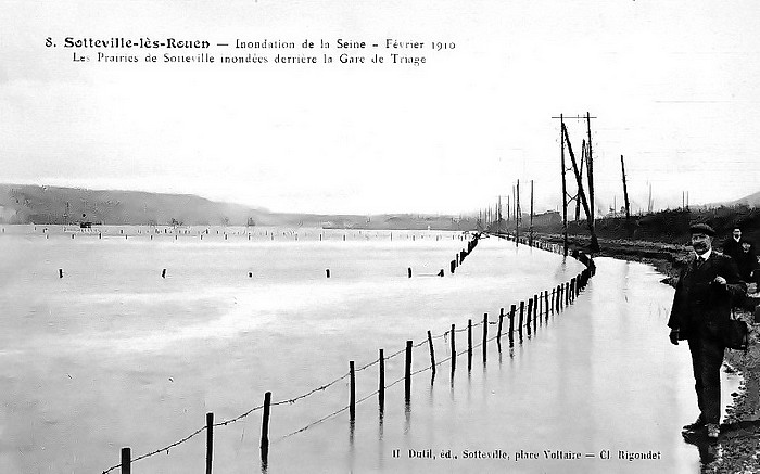 Crue de la Seine en 1910 dans les prairies de Sotteville-lès-Rouen