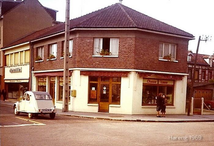 Sotteville-lès-Rouen - Magasin de chaussures à l'angle des rues de Paris et Raspail