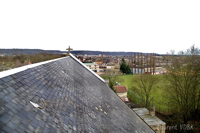 Le complexe sportif Jacques Anquetil vu de l'église ND de Lourdes à Sotteville-lès-Rouen