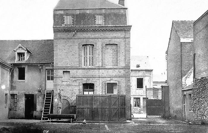 Cour de la ferme Lavacher, rue Raspail - Sotteville-lès-Rouen