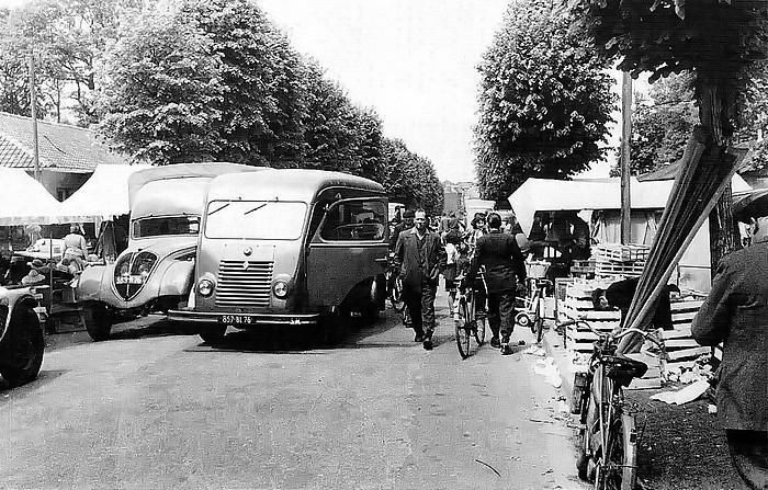 Marché provisoire pendant la Reconstruction de Sotteville-lès-Rouen