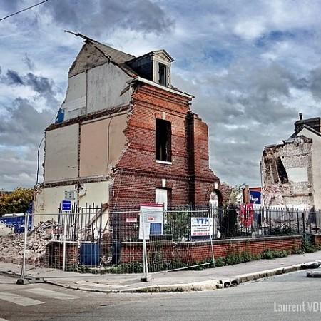 Démolition de l'ancienne gendarmerie rue Victor Hugo à Sotteville-lès-Rouen