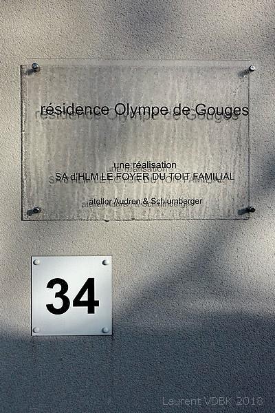 Plaque de la résidence Olympe de Gouges à Sotteville-lès-Rouen