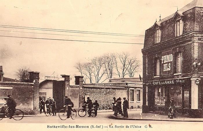 Sortie de l'usine (ateliers Buddicum) et café de la Gare - Sotteville-lès-Rouen