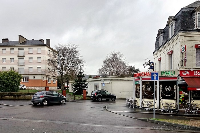 Café le Longchamp rue de Paris et rue de la Gare - Sotteville-lès-Rouen