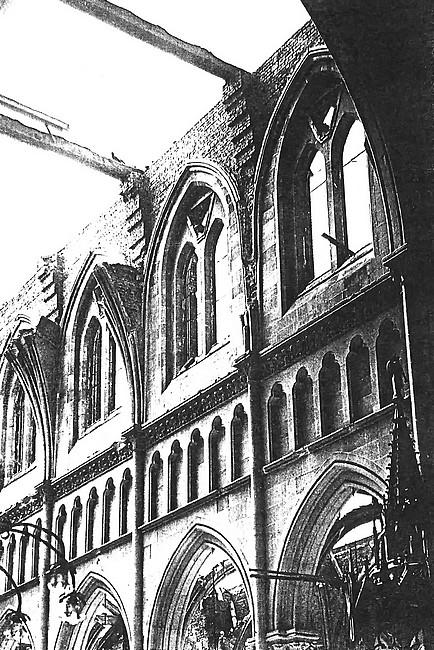 Intérieur de l'église Notre-Dame de l'Assomption détruite pendant la seconde guerre mondiale