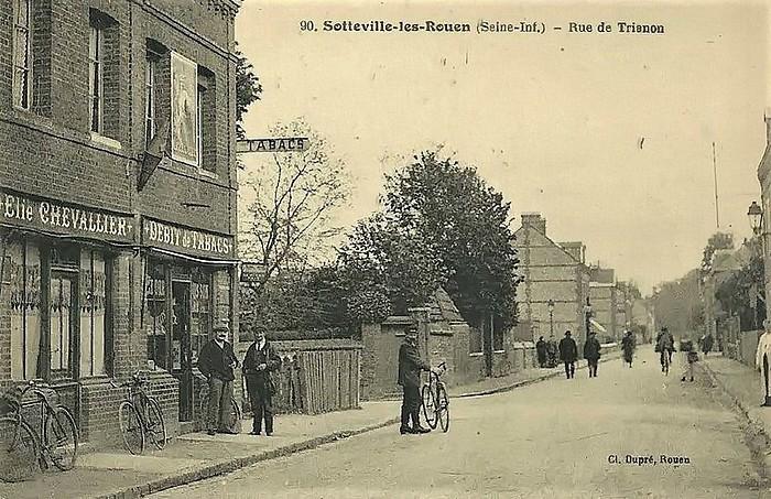 Le bar-tabac de la rue de Trianon