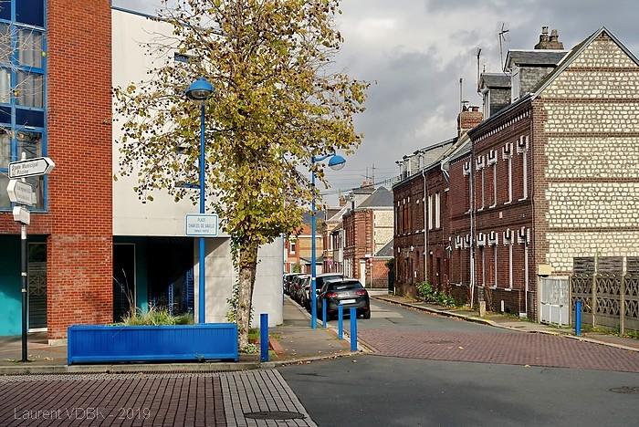 Rue Pierre Mendès-France vue de la place Charles de Gaulle - Sotteville-lès-Rouen