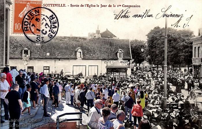 Le parvis de l'église Notre-Dame de l'Assomption lors des premières communions - Sotteville-lès-Rouen
