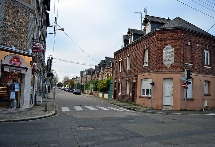 Au carrefour des rues du Madrillet et J.B. Gilbert - Sotteville-lès-Rouen