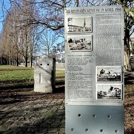 Stèle en mémoire des victimes du bombardement du 19 avril 1944 à Sotteville-lès-Rouen