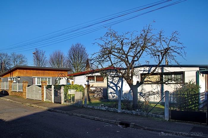 Rue Gabrielle Meret : Baraquements provisoires (constructions préfébriquées) suite aux bombardements de Sotteville-lès-Rouen