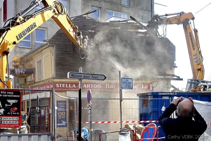 Démolition de l'ancien bar-tabac Le Narval rue Raspail à Sotteville-lès-Rouen