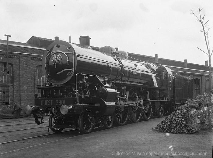 Locomotive aux ateliers de la compagnie de l'Ouest à Sotteville-lès-Rouen (André Le Chat)