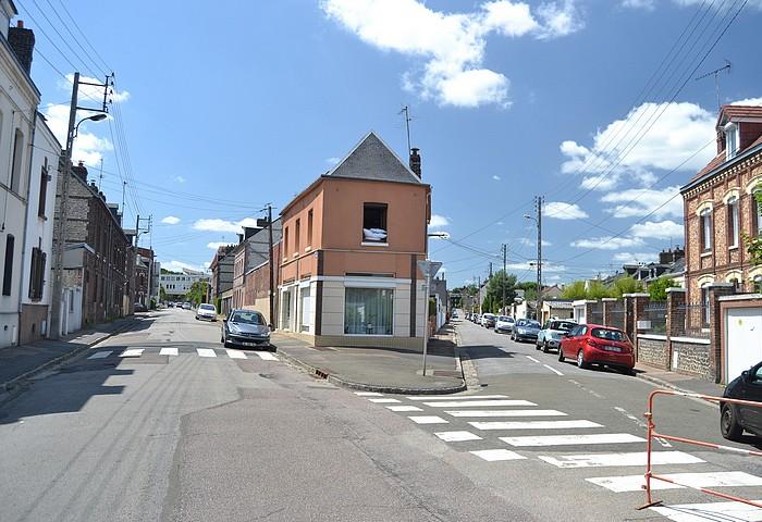 Carrefour des rues Léon Salva et Dr Apvril à Sotteville-lès-Rouen