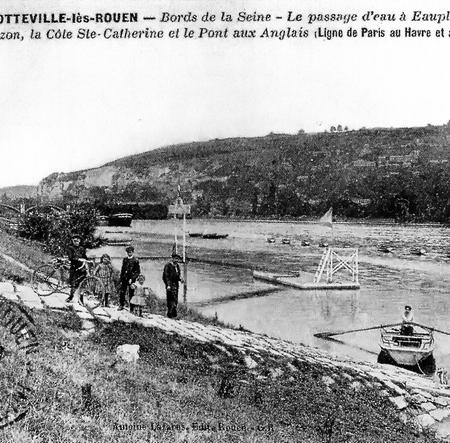 Carte postale ancienne du passage d'eau d'Eauplet à Sotteville-lès-Rouen