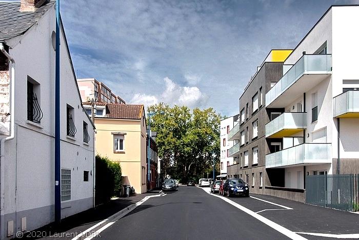 Rue Victor Hugo à Sotteville-lès-Rouen et la résidence Charlotte Perriand