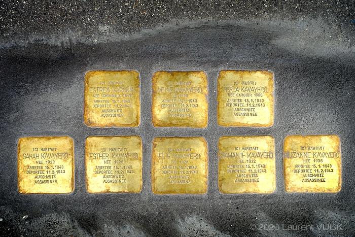 Plaques hommage à la famille juive Kavayéro, déportée et exterminée à Auschwitz, rue du Cours à Sotteville-lès-Rouen