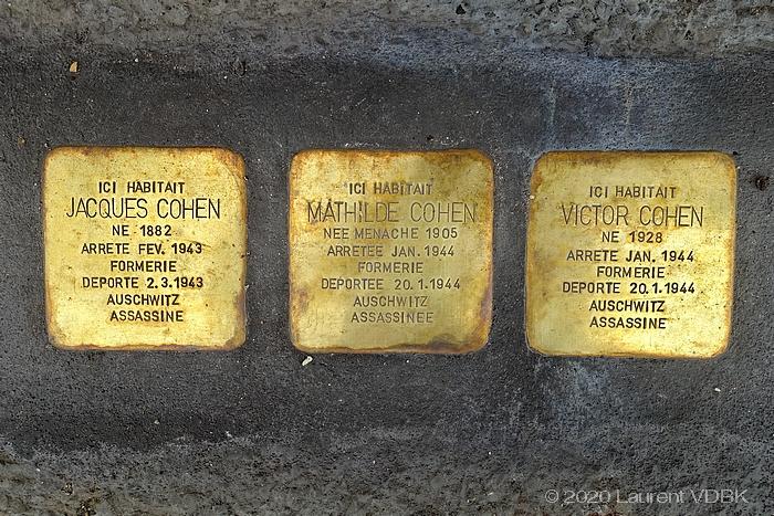 Plaques de laiton hommage à la famille Cohen rue Armand Carrel à Sotteville-lès-Rouen