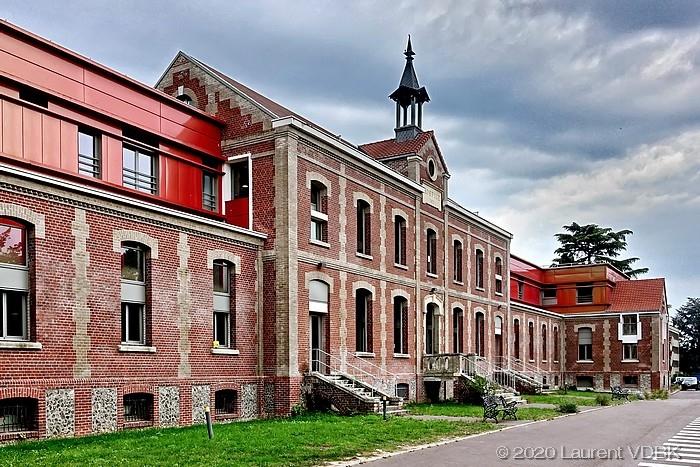 Façade du Centre Hospitalier du Bois Petit à Sotteville-lès-Rouen