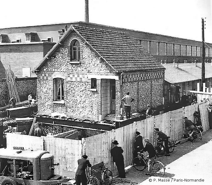Maison qui bouge, rue de Paris à Sotteville-lès-Rouen