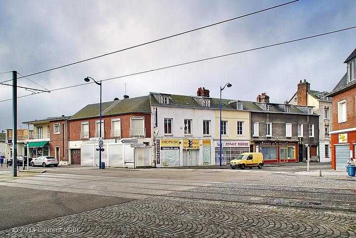 La place Voltaire à Sotteville-lès-Rouen avant démolition de cet îlot