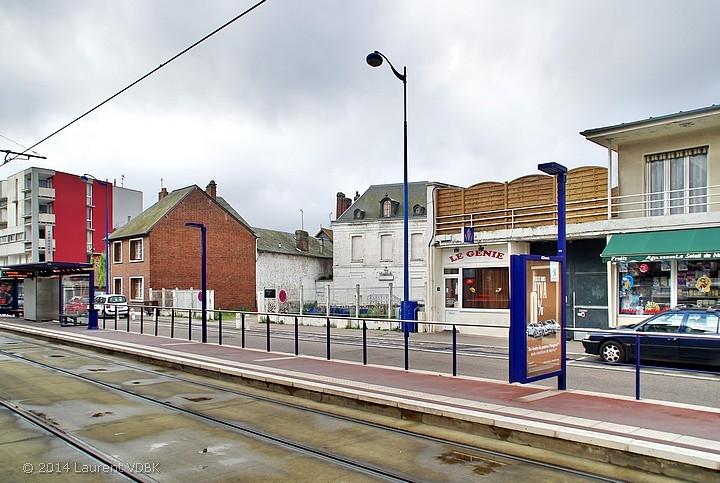 """La station de métro Voltaire et la """"maison blanche"""" rue Léon Blum à Sotteville-lès-Rouen"""