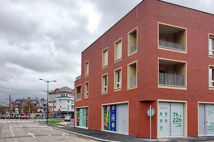 La résidence George Sand à l'angle de la rue Méridienne et Bugnot à Sotteville-lès-Rouen