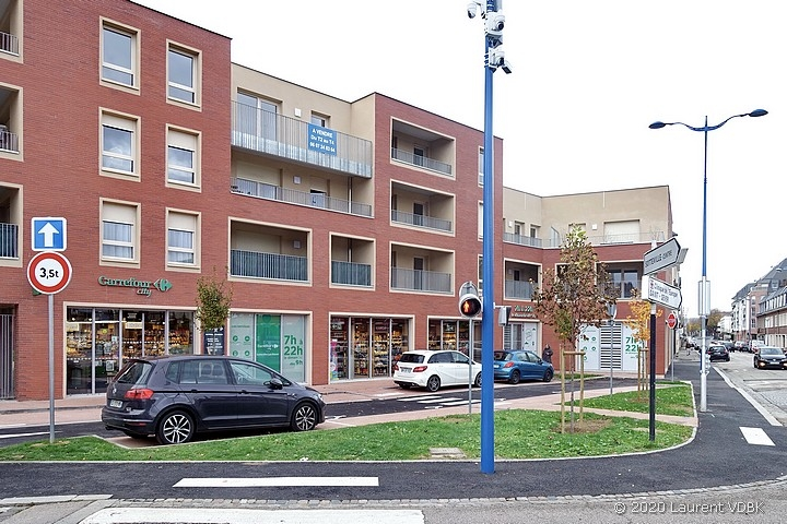 Le Carrefour City et la résidence George Sand rue Méridienne et place Volaire à Sotteville-lès-Rouen