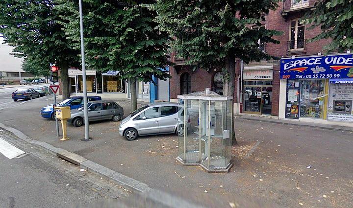 Cabine téléphonique Place des Martyrs de la Résistance - Sotteville-lès-Rouen