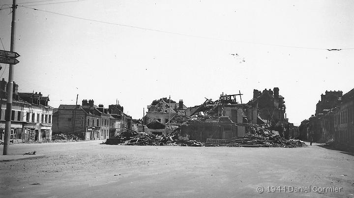 La place Voltaire bombardée - Sotteville-lès-Rouen