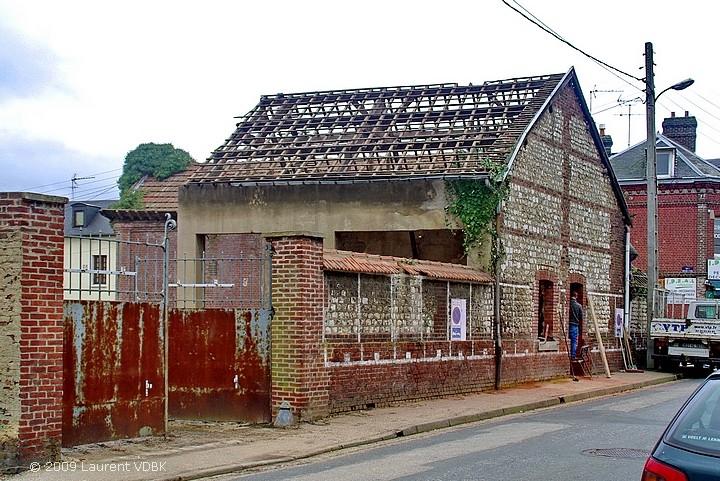 Le puits Feugère rue de Trianon à Sotteville-lès-Rouen en cours de réhabilitation en 2009