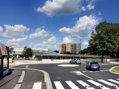 Nouveau rond-point au carrefour des rues Léon Salva, Libération et Trianon à Sotteville-lès-Rouen